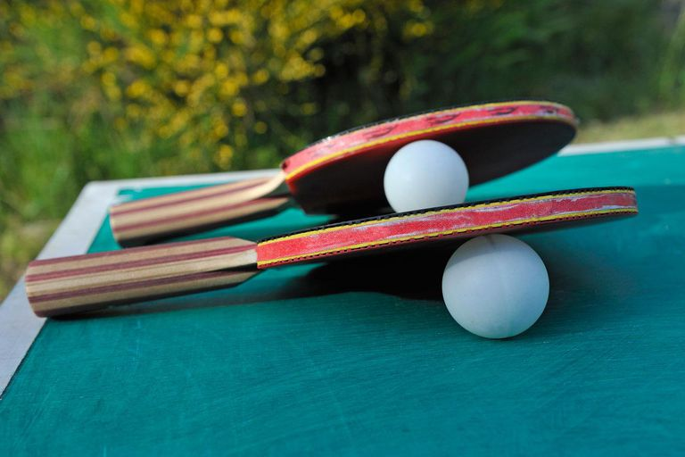 table_tennis_ping_pong_paddles_114996552-56a92aa23df78cf772a4634f